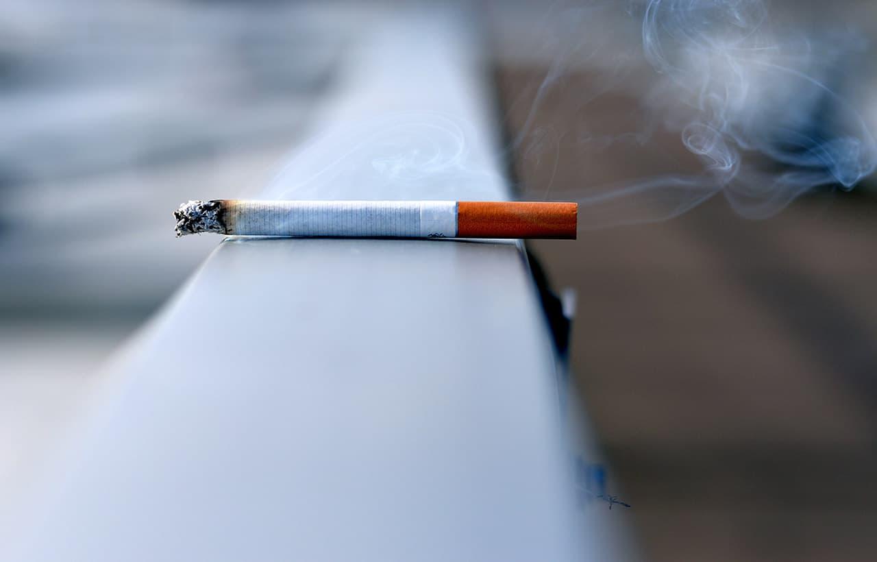 Uso de cigarros pode causar doença que leva à amputação de membros (1)
